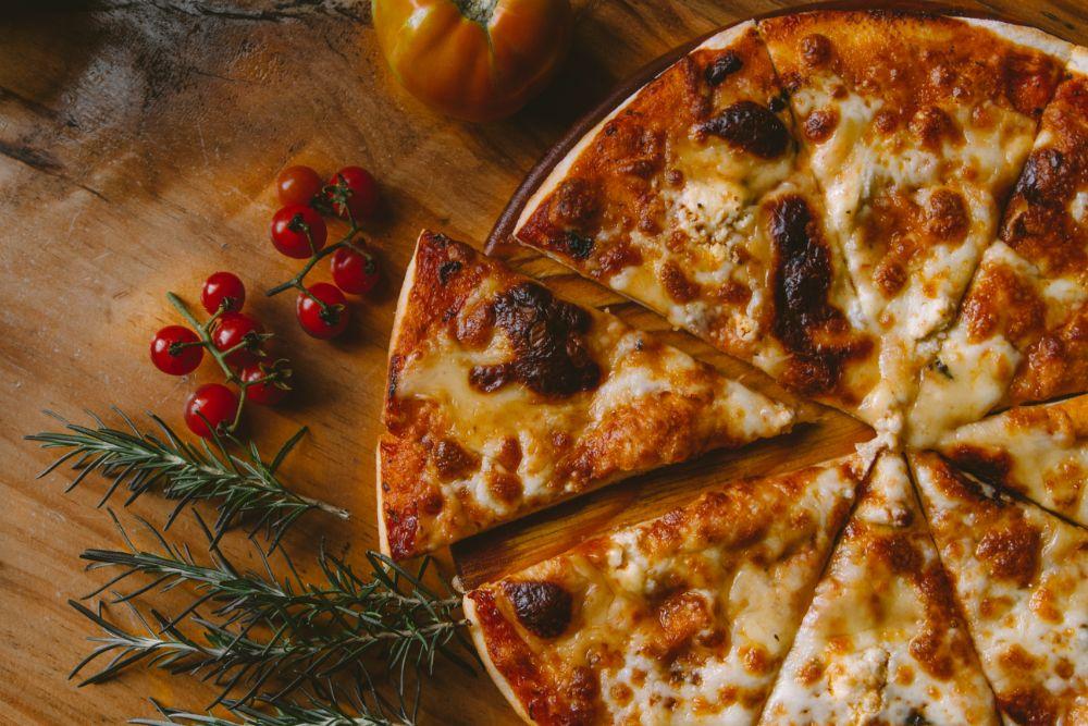 Karfiolová pizza, ktorú si pripravíte doma. Poznáme recept!